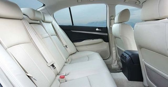 2010 Infiniti G Sedan 37  第10張相片