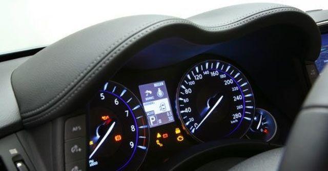 2010 Infiniti M 25 Premium  第8張相片