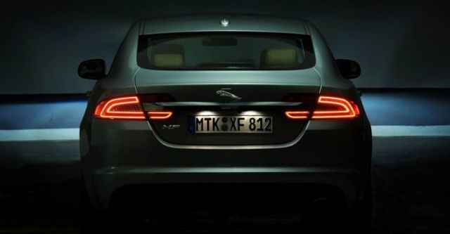 2014 Jaguar XF 2.0i  第6張相片