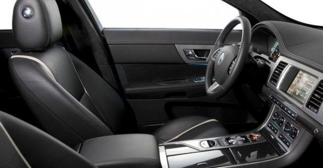 2014 Jaguar XF 2.2D  第9張相片