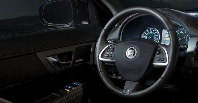 2014 Jaguar XF R 5.0 V8 SC  第9張相片