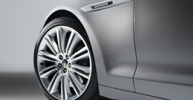 2013 Jaguar XJ L V6 S/C Platinum  第6張相片