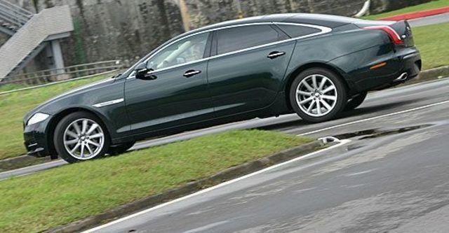 2011 Jaguar XJ 3.0 SuperV6 LWB Premium  第4張相片