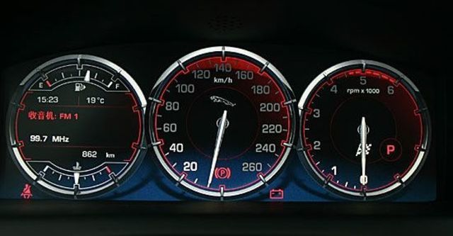 2011 Jaguar XJ 3.0 SuperV6 LWB Premium  第6張相片