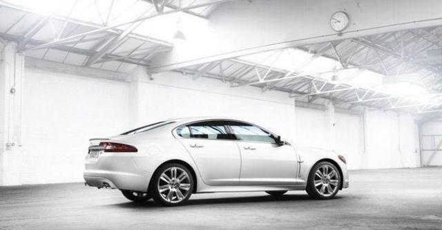 2010 Jaguar XF R 5.0 V8  第3張相片
