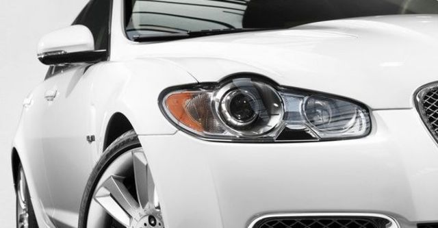 2010 Jaguar XF R 5.0 V8  第11張相片