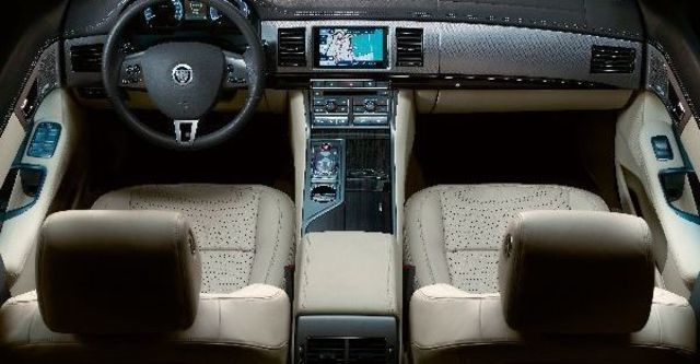 2009 Jaguar XF 3.0 TDV6  第4張相片