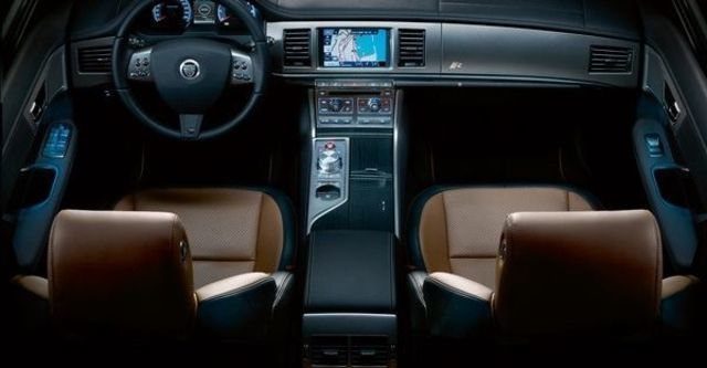 2009 Jaguar XF R 5.0 V8  第7張相片