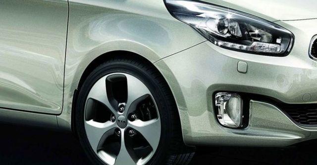 2015 Kia Carens 科技版  第3張相片