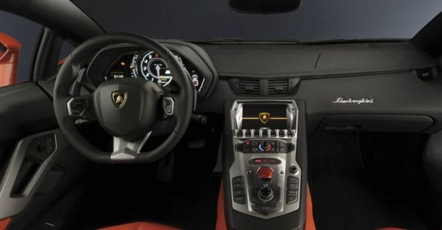 2014 Lamborghini Aventador LP 700-4  第6張相片