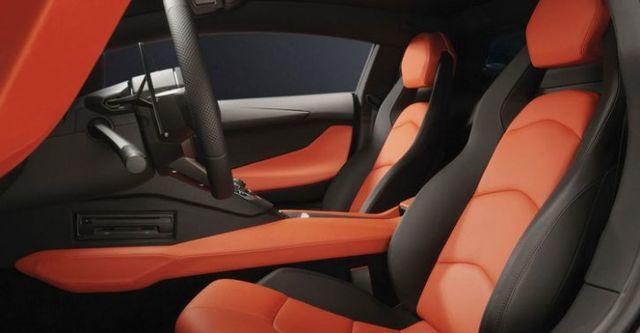 2014 Lamborghini Aventador LP 700-4  第7張相片
