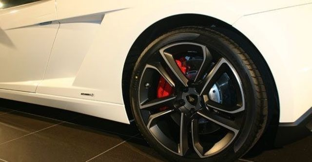 2013 Lamborghini Gallardo LP 560-4 Coupe  第7張相片