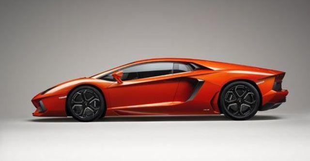 2012 Lamborghini Aventador LP 700-4  第7張相片