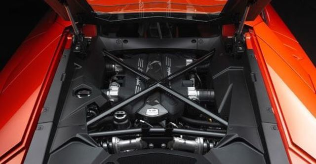 2012 Lamborghini Aventador LP 700-4  第9張相片