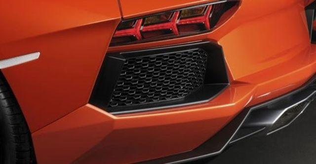 2011 Lamborghini Aventador LP 700-4  第4張相片