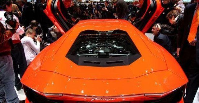 2011 Lamborghini Aventador LP 700-4  第5張相片