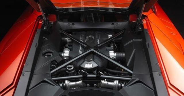 2011 Lamborghini Aventador LP 700-4  第9張相片