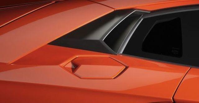 2011 Lamborghini Aventador LP 700-4  第11張相片