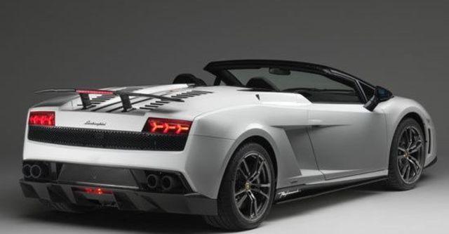 2011 Lamborghini Gallardo LP 570-4 Spyder Performante  第3張相片