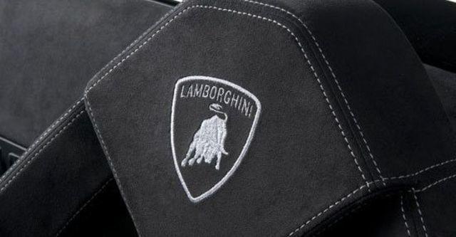 2011 Lamborghini Gallardo LP 570-4 Spyder Performante  第7張相片