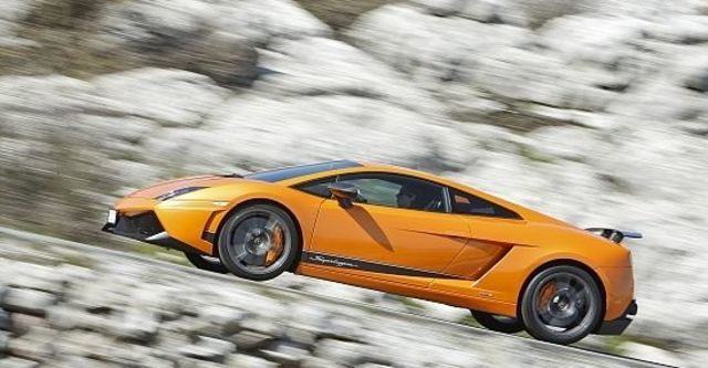 2011 Lamborghini Gallardo LP 570-4 Superleggera Coupe  第4張相片