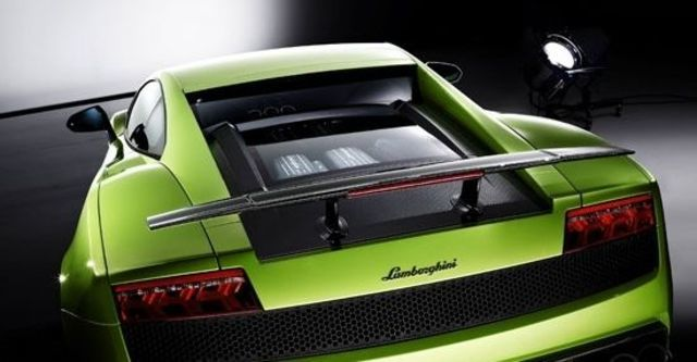 2011 Lamborghini Gallardo LP 570-4 Superleggera Coupe  第8張相片