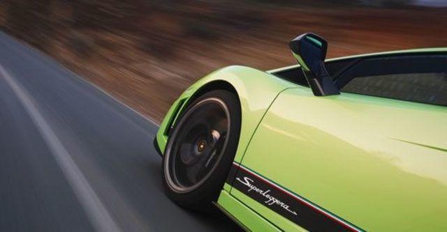 2010 Lamborghini Gallardo LP570-4 Superleggera  第6張相片