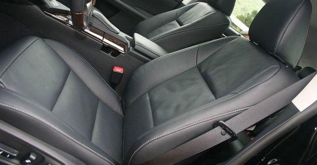 2015 Lexus ES 300h旗艦版  第6張相片