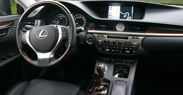 2015 Lexus ES 300h豪華版  第4張相片