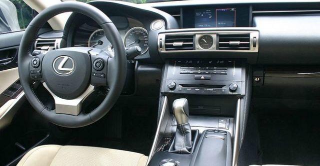 2015 Lexus IS 250頂級Navi版  第5張相片