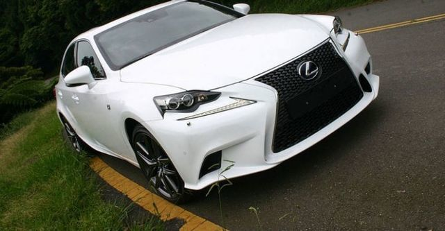 2015 Lexus IS 300h F Sport Navi版  第1張相片
