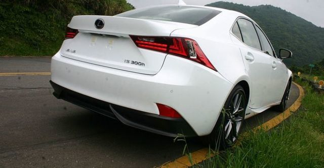 2015 Lexus IS 300h F Sport Navi版  第2張相片