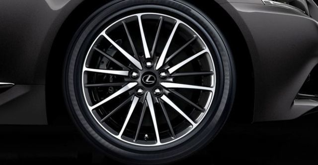 2015 Lexus LS 460 F-Sport  第4張相片