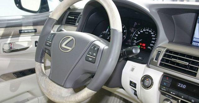 2015 Lexus LS 460L頂級版  第5張相片