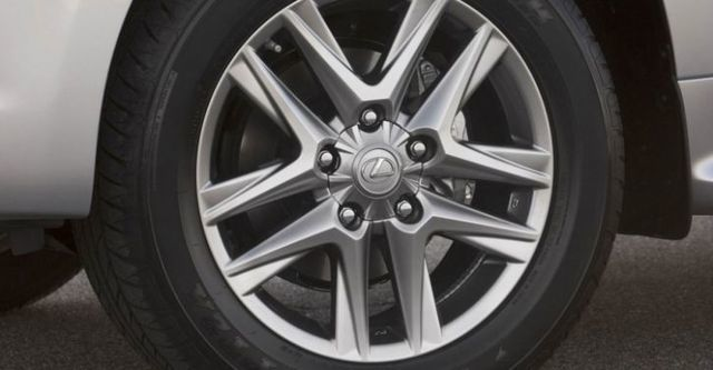 2015 Lexus LX 570車頂置物架版  第5張相片