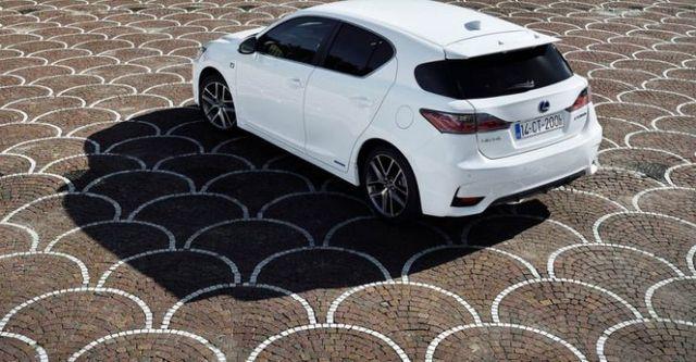 2014 Lexus CT 200h F Sport頂級Navi版  第3張相片