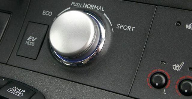 2014 Lexus CT 200h菁英版  第9張相片