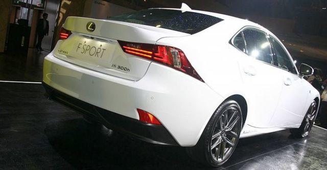 2014 Lexus IS 300h F Sport版  第2張相片