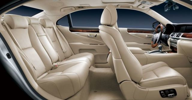 2014 Lexus LS 460L首席長軸版  第4張相片