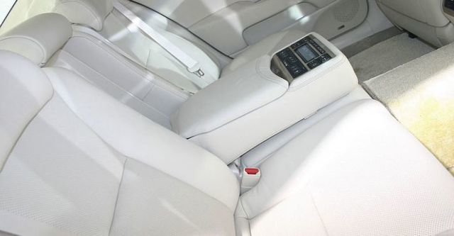 2014 Lexus LS 460L首席長軸版  第9張相片