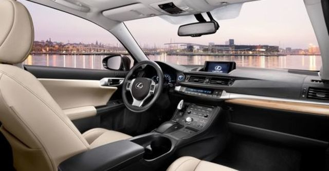 2013 Lexus CT 200h 豪華版  第9張相片