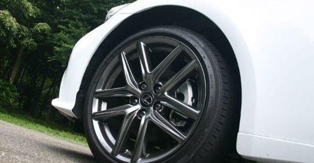 2013 Lexus IS 300h F Sport版  第4張相片