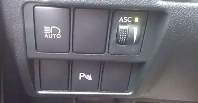 2013 Lexus IS 300h F Sport版  第7張相片