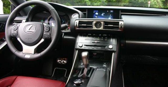 2013 Lexus IS 300h F Sport版  第9張相片