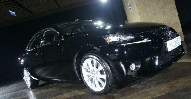2013 Lexus IS 300h頂級Navi版  第1張相片
