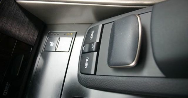 2013 Lexus IS 300h頂級Navi版  第10張相片