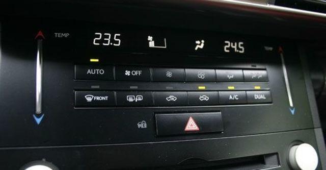 2013 Lexus IS 300h頂級Navi版  第11張相片