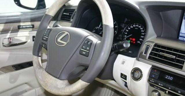 2013 Lexus LS 460標準版  第6張相片