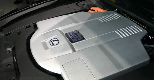 2013 Lexus LS 600h F-Sport  第8張相片