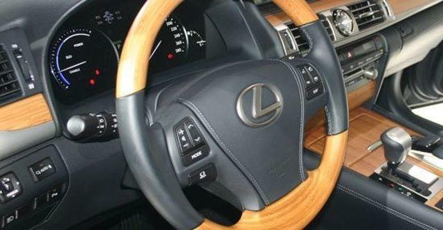 2013 Lexus LS 600hL  第9張相片